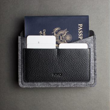 Porte-passeport feutre de laine et cuir noir