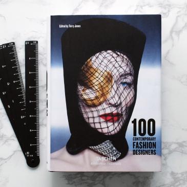 Livre 100 créateurs de modes